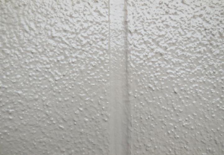 目地と外壁は出来る限り凹凸の無いように仕上げました。